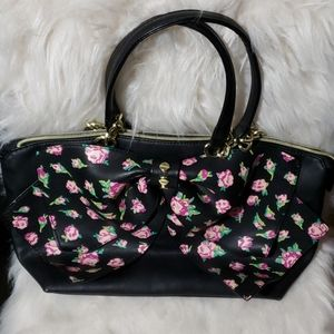 Betsy Johnson Floral Bow hand purse